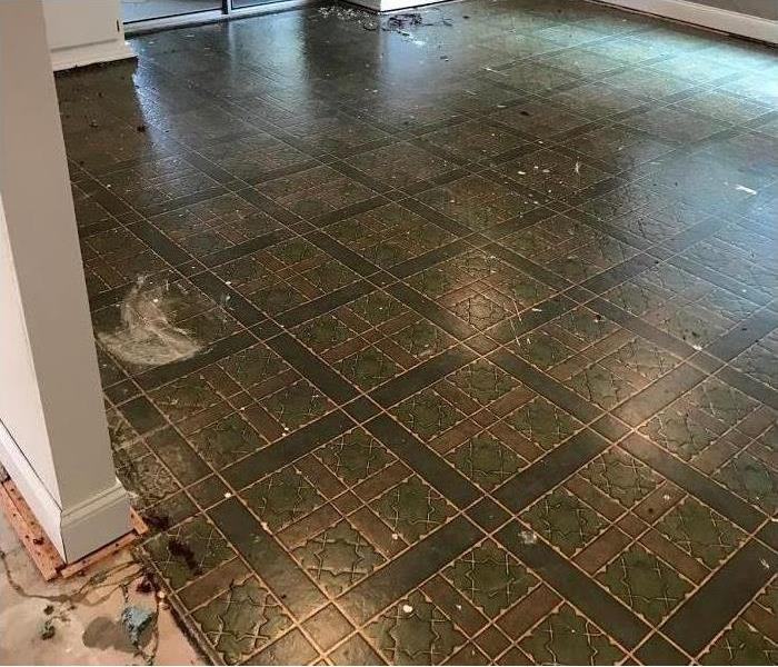 Linoleum floor saturated by water flooding event